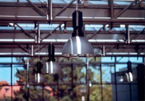 Find nemt de rigtige lamper til dit hjem på stor webshop