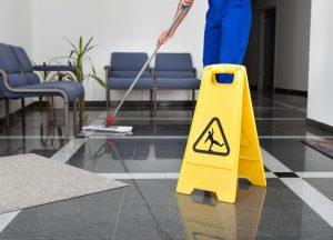 Hold badeværelset rent ved regelmæssigt brug af toiletrens