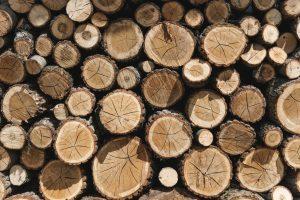 Skal du bruge brænde, træbriketter eller flis m.m. - så se her